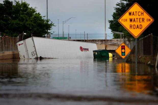 Houston flooding 2016 courtesy of Mark Mulligan, Houston Chronicle