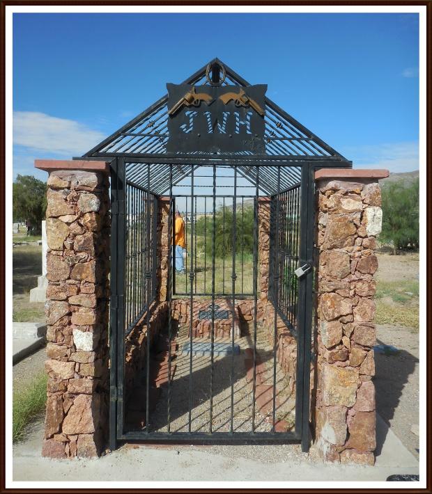 JW Hardin's grave